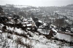 平安子梁又下雪了,潮湿了我想家的心