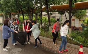 建安二社区开展五四青年节创卫攻坚战