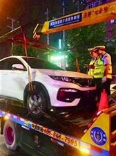 夜晚路边停车也可能被处罚 交警:要看周边是否有停车场