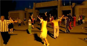 郑州烈士陵园呼吁:请不要在旁边跳广场舞了