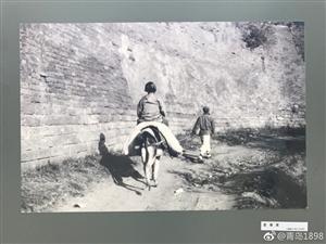 百年前的即墨古城风貌:墨水河上妇女洗衣服