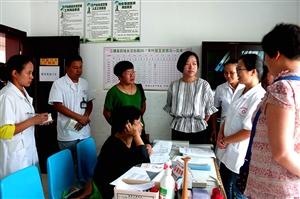 省卫计委率专家组到款场乡督导妇幼保健工作