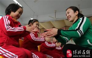 """博兴县乐安实验学校附属幼儿园根据世界卫生组织""""六步洗手法"""""""