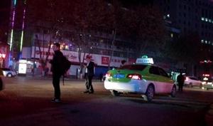 汉中部分出租车拒载不打表 司机称只操心给多钱