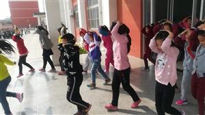 """阳信县第三实验小学举行主题为""""做自己的首席安全官――平安校园行""""安全教育日系列活动"""