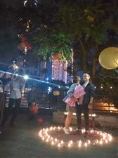 认识不?永春万星广场再现浪漫求婚画面,围观群众手机打光送祝福!