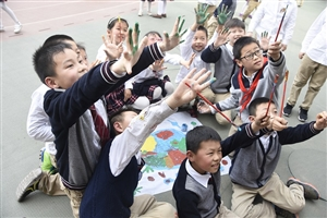 """城环学院开展""""蓬勃生命,志学青春""""世界儿童日主题志愿活动"""