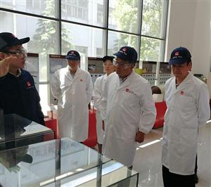 余长明率队到上海市考察招商