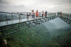 这些惊险刺激的玻璃廊桥
