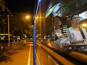 今起,鄂州火车站夜间专线车开通