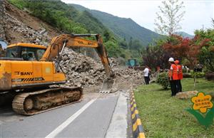 210国道镇巴塌方路段 3个月恢复正常通行