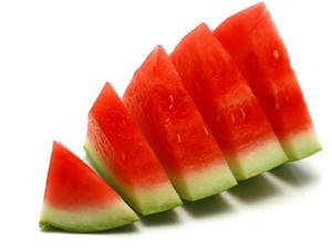 西瓜消暑注意量 苦瓜虽好不减肥 盛夏季节 你吃对瓜了吗