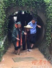 点赞!洪涝灾害中救援的略阳民警