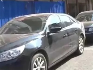 巴城江南二环路数辆车为何一夜之间被砸?