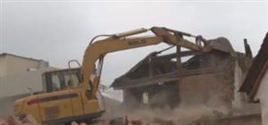 """澳门新濠天地娱乐场芳华某村""""空心房""""整治!昨日拆除43间!你家被拆了没?"""