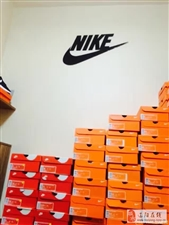 线下最好最强的仓储式正品NIKE授权鞋售卖店铺