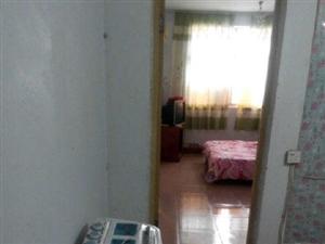 【出租】荷花市场东门 1室1厅48平米 中等装修 押一付三(温馨一居,拎包入住)