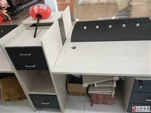 1500出售9成新4人位屏风办公职员桌