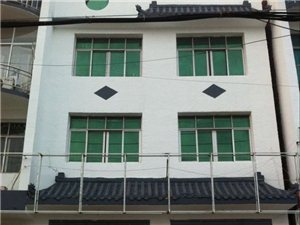 j江口社区中心318国道边三层门面房出售