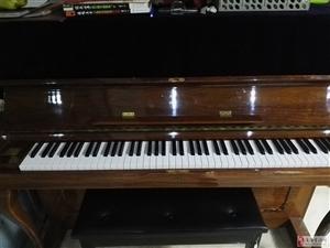 二手翻新钢琴,音色好,质量棒,低价格出售