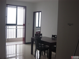 国润翠湖精装3房2厅1卫2200/月年付押5K