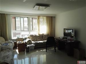 宝地城B区三室两厅