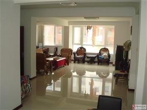 出售海边华纺海岸城小区多层二楼108平包括全新装修