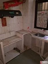 两渡河鹏天百货国道旁120平米简装房,仅售27.5万