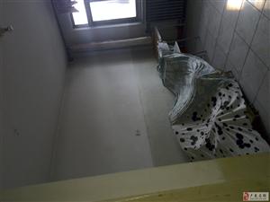 卢龙中学楼房出租三室