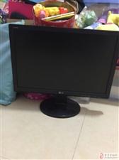 出售显示器两台(200元)