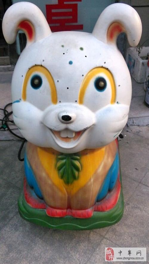 出售大白兔摇摇车,绿坦克摇摇车