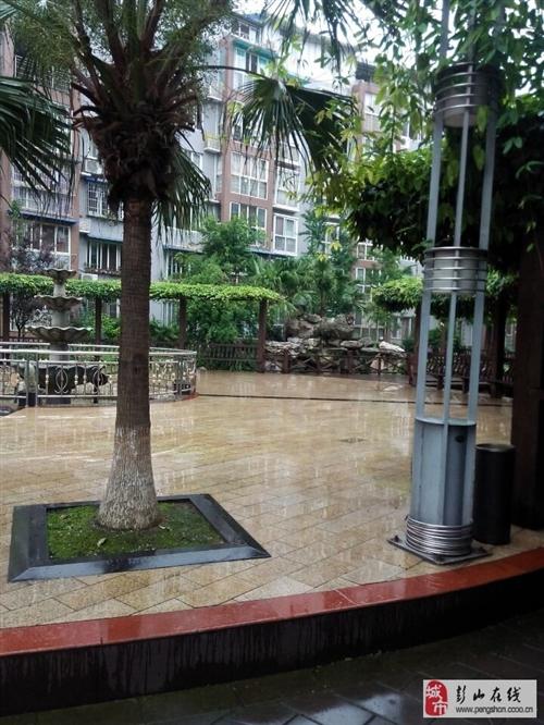 在水一方1楼带私家花园,优质大3房
