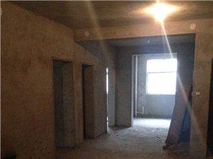 建设路小学旁二室二厅一卫108平方,低价急售。带院