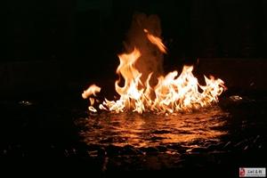 湖南喷泉长沙音乐喷泉水火交融的火喷
