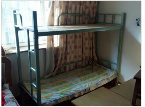 出售八成新的学生午休床