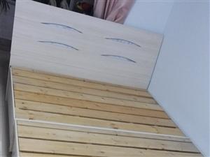 95成新双人床350元出售