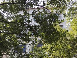 澳门太阳城娱乐市水厂路与五一路交汇处商业门面出售,价格面议.