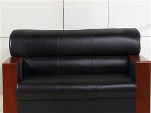 求购二手办公室黑色皮沙发、茶几、办公桌