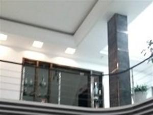 怡园c区、永辉超市旁、客厅挑空高档大气复式楼超气派