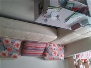 出售货8成新沙发
