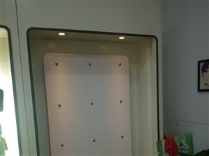 超低价转让一套内衣店货柜展柜收银台背景墙