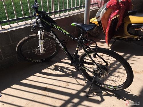 出售95新美利达挑战者300山地自行车,配件齐全