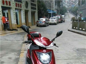 出售九成新大运踏板车