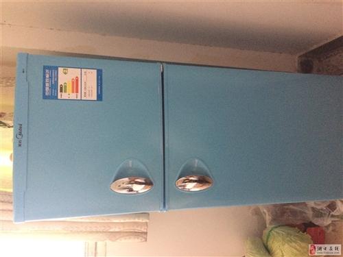 出售95成新小电冰箱一台