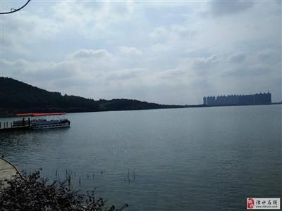 卧龙湖风景