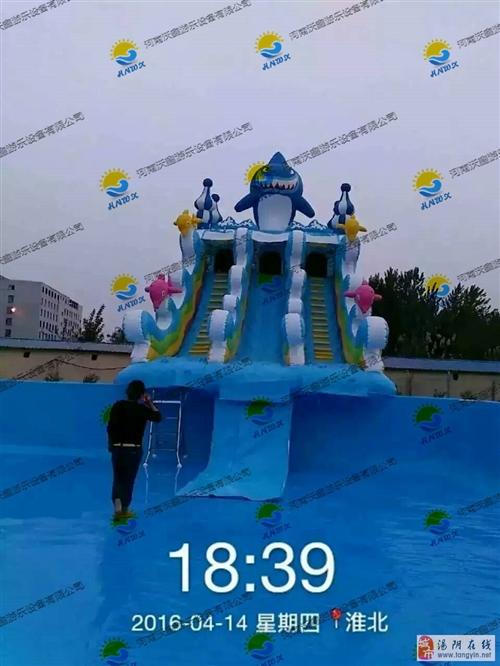 大型支架泳池充气城堡