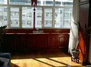 东市场小区 2室1厅1卫 精装修