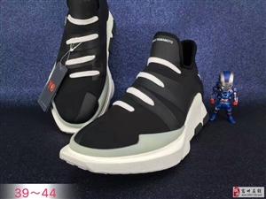 耐克阿迪运动鞋,价格便宜,质量好