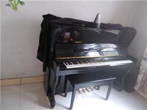 出售120型钢琴