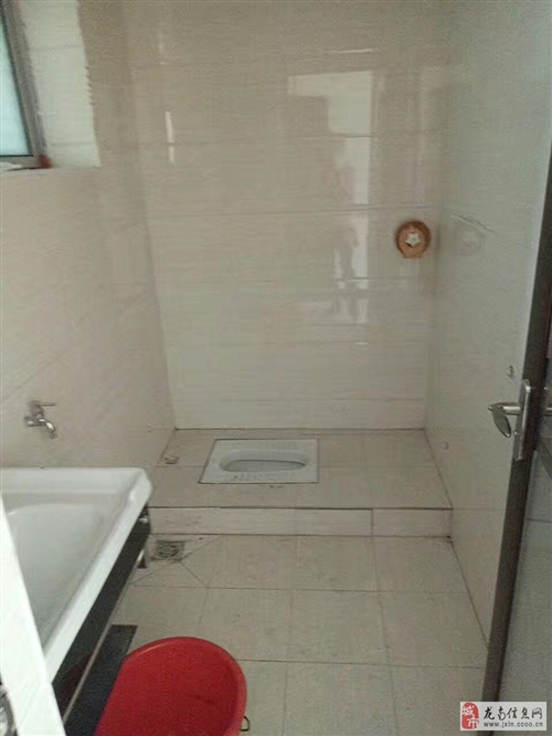 桃江乡水西坝墙背社区出售3层房屋一栋(可过户)